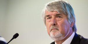 Il ministro del Lavoro Giuliano Poletti in una foto del 17 luglio 2014. ANSA/ GUIDO MONTANI